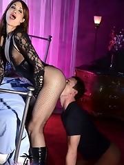 Filthy Jonelle Brooks punishing her boyfriend