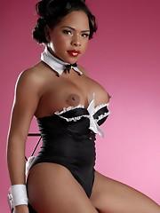 Hot Ebony TGirl Nody Nadia exposing her sweet hole