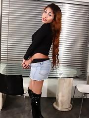 Hot tgirl Sabrinita exposing sweet body