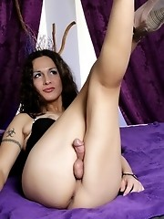 Amazing tgirl Nicole Montero posing her irresistible body