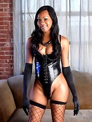 Delicious Ebony Jade Posing Her Fat Cock